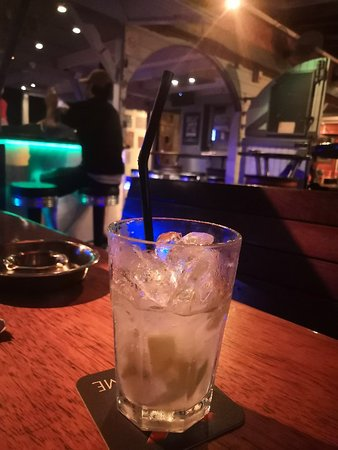 Zoo Rock Café : A FANTASTIC place if you like piece of ice 10€ a glace of ICE with finger of vodka + finger of l