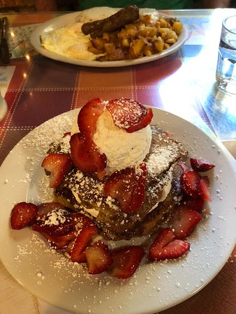 Log Cabin Cafe & Ice Cream: French Toast Tower