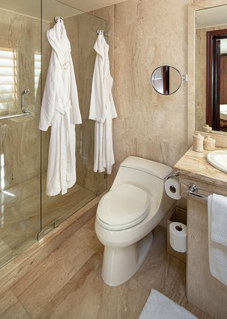 Long Bay Village, Anguilla: Meads Bay Garden Suite Bathroom