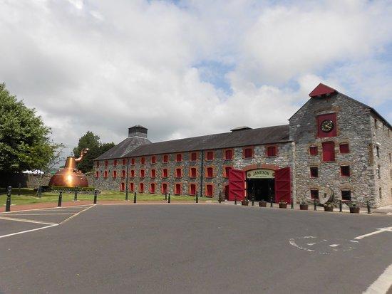 Jameson Distillery Midleton: 建物外観