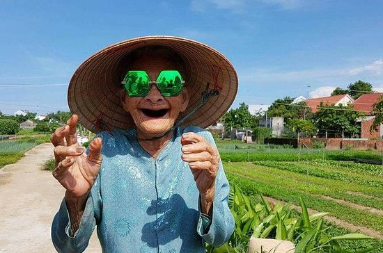 Hoi An Countryside Tour in auto