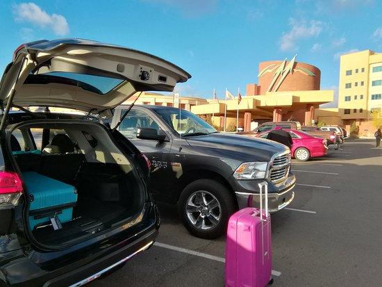 Twin Arrows Navajo Casino Resort : Parking