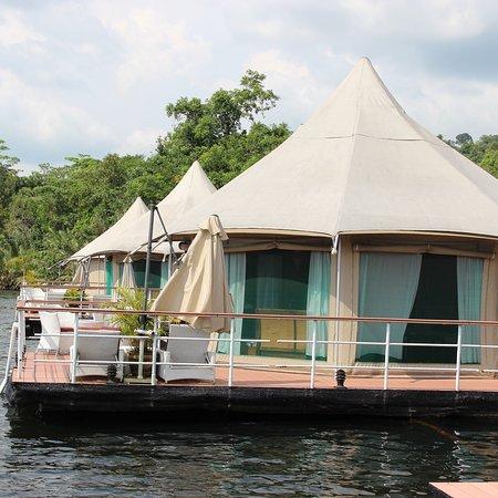 4 Rivers Floating Lodge: photo1.jpg