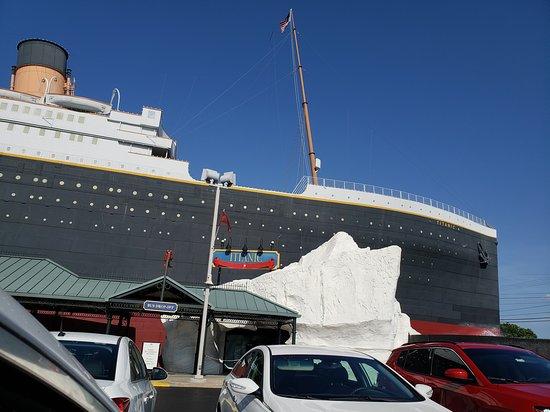 Titanic Museum: Titanic Branson