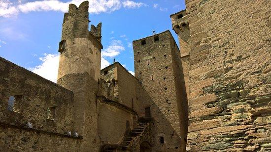 Castello di Fenis: Interno castello