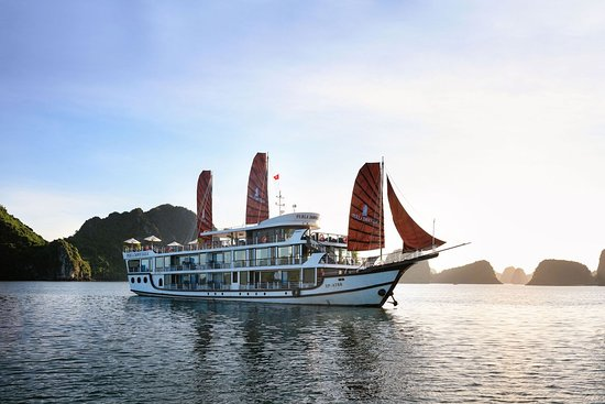 Hai Phong, Vietnam: Perla Dawn Sails - Luxury Cruises on Lan Ha Bay