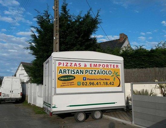 Lancieux, France: si vous voyez ceci sur votre chemin et que votre estomac commence à signaler sa faim, arrêtez-vo