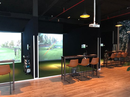 UrbanLinks Indoor Golf
