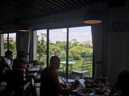 Cau Go Vietnamese Cuisine Restaurant: Nice views