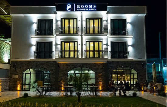 8 Rooms Boutique Hotel
