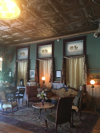 The Historic Occidental Hotel & Saloon and The Virginian Restaurant: The lobby