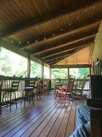 Grandview Lodge: Front porch