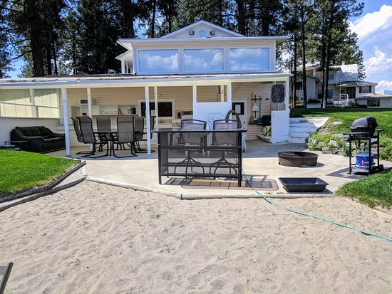 Wasa Lake Guest House and Beach Kitchen
