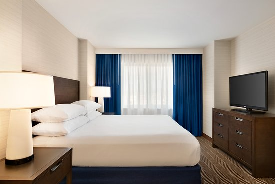 Embassy Suites by Hilton Boston at Logan Airport Hotel