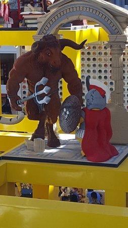 Lego Imagination Center: Amazing Detailing