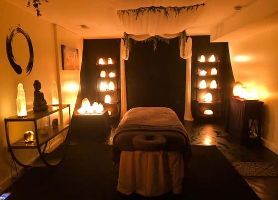 Franklin, NC: Himalayan Salt Massage Room