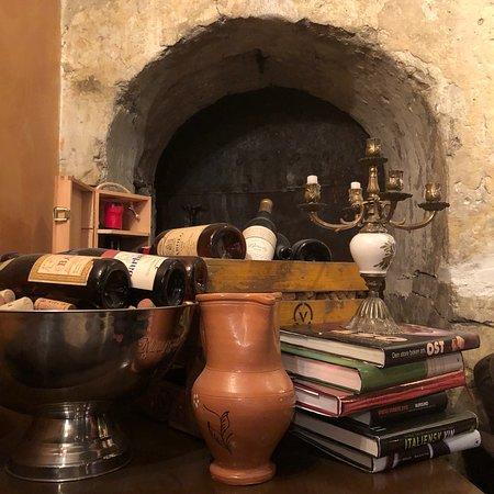 Pergola mat og vinbar ภาพถ่าย