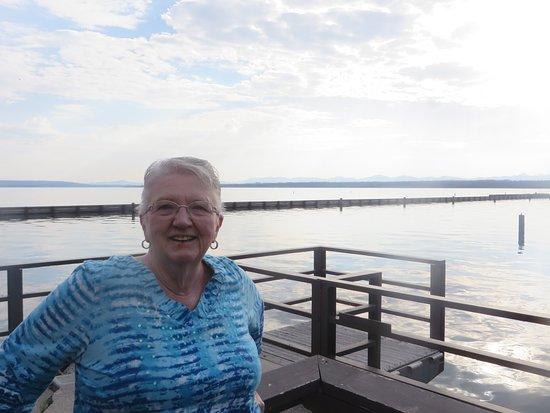 Grant Village Lake House Restaurant: Dock at lakeside