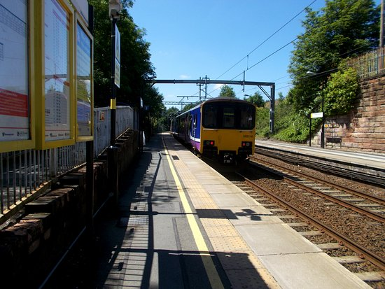 Saint Helens, UK: Thatto Heath Railway Station, St. Helens