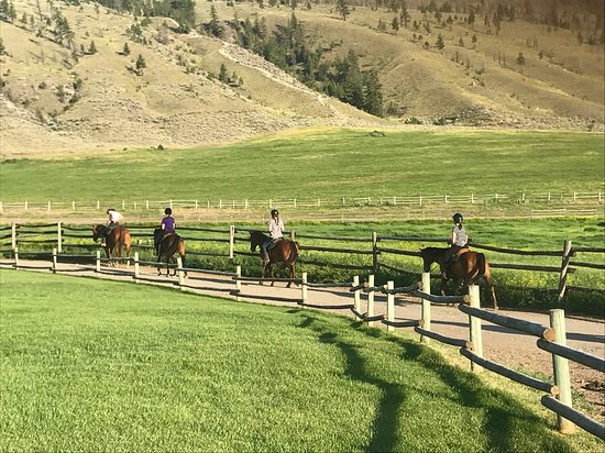 Ashcroft, Canada: Setting off on the evening ride