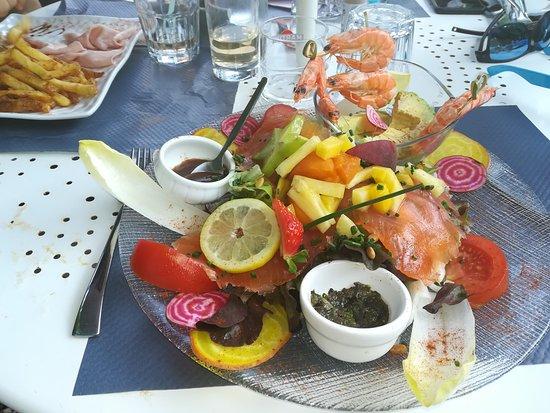 Restaurant Dans L'arriere Cour Φωτογραφία