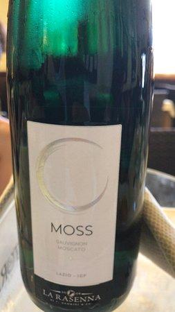 Torrimpietra, Italien: vino favoloso