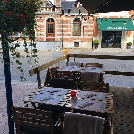 Gedinne, Bélgica: Pizzas Leduc