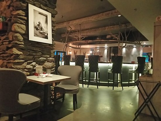 Idletyme Brewing Company: The lovely bar area