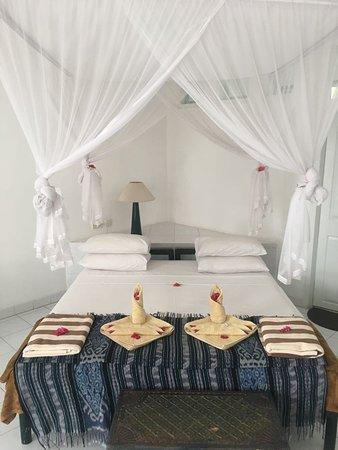 Bajo Komodo Eco Lodge: The Bed