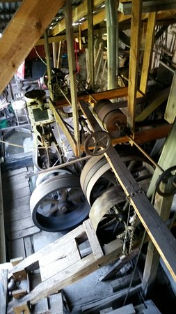 Wades Gold Mill: Steam driven equipment