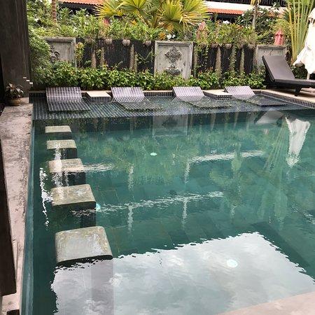 Amazing hotel with resort 'vibe'