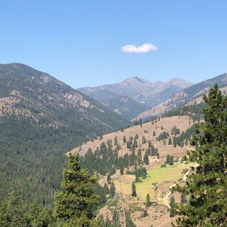 Sun Mountain Lodge: photo1.jpg