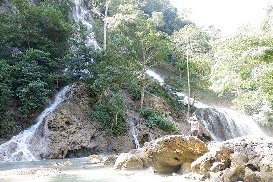 Lapopu Waterfalls