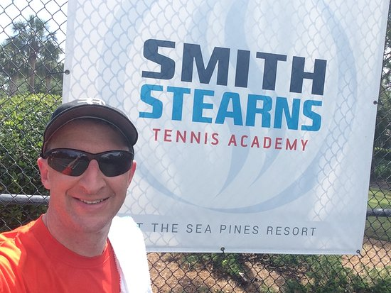 ‪Stan Smith Tennis Academy‬