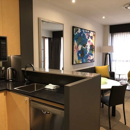 Adina Apartment Hotel Melbourne Photo