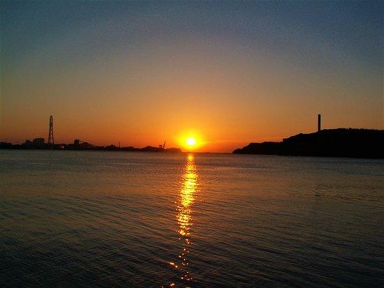 Tokushima Prefecture, Japan: 目の前の朝日