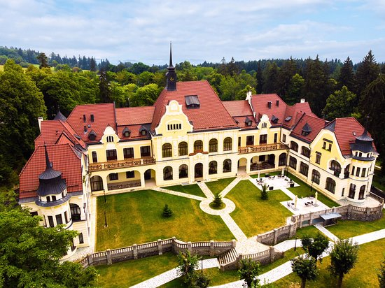 Rubezahl-Marienbad Luxury Historical Castle Hotel& Golf
