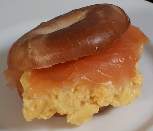 Minchinhampton, UK: Scrambled Eggs and Smoked Salmon on a lightly buttered toasted bagel