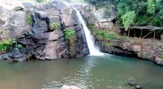 Bhawanipatna, India: Ravandhar waterfall
