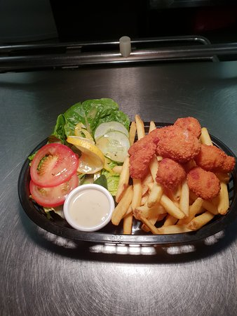 Awliscombe, UK: Scampi and chips basket meal