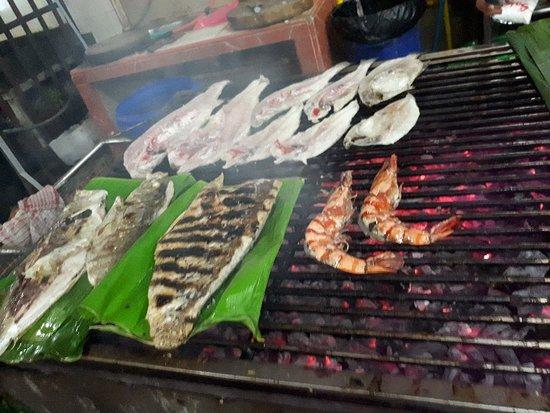 RM Seafood New Losari: Rumah makan seafood terlezat dan pelayanan yang oke