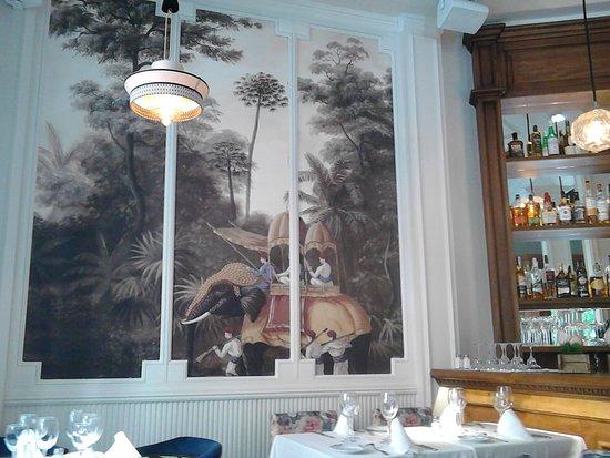 Decor 2 Picture Of Opera Victoria Restaurante Madrid Tripadvisor