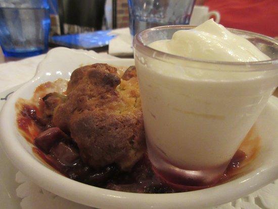Le Petit Cochon Dingue: Croustillant de rhubarbe et fraise
