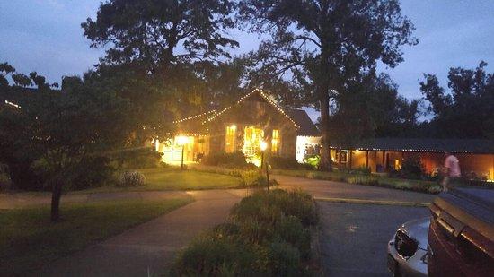 Pennyrile Forest State Resort Lodge: 20180722_203324_HDR_large.jpg