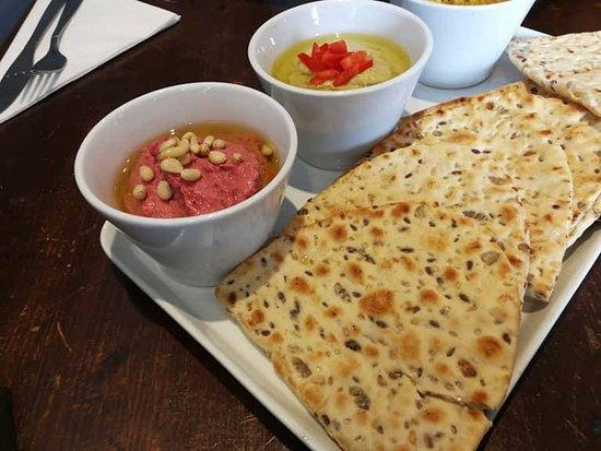 The Marmion - Bar & Kitchen: Hummus with Pitta bread