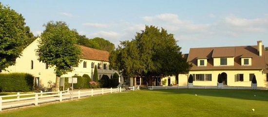 Le cluhouse et son restaurant - Picture of Restaurant Golf de ...