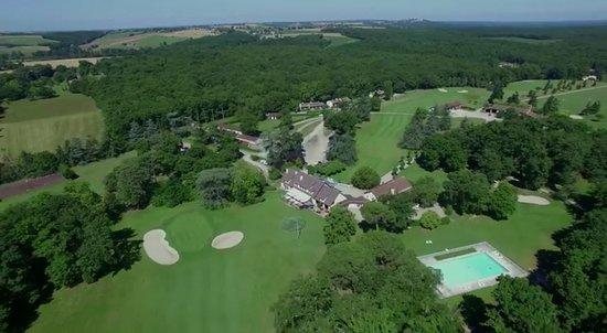 Vue du ciel - Picture of Restaurant Golf de Palmola, Buzet-sur-Tarn ...