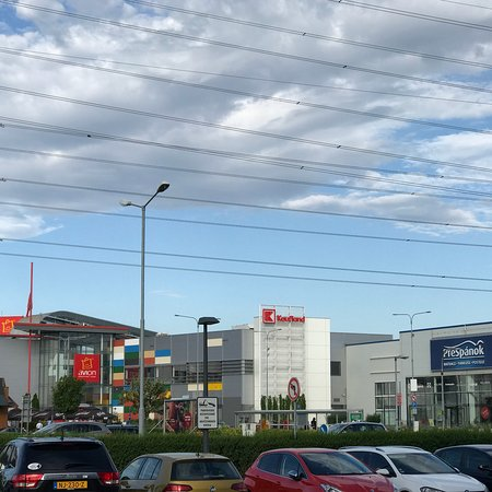 1005729c3c Avion Shopping Park (Bratislava)