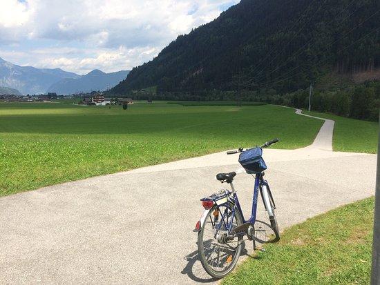 Uderns, Austria: Trip mit Fahrad vol Hotel nach Rattenberg🚴♂️