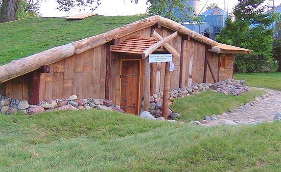 Elk Horn, Айова: VikingHjem located on property for re-enactors